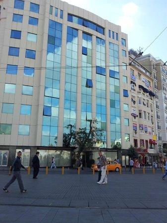 Ottoman Palace Taksim Square Hotel: amazing