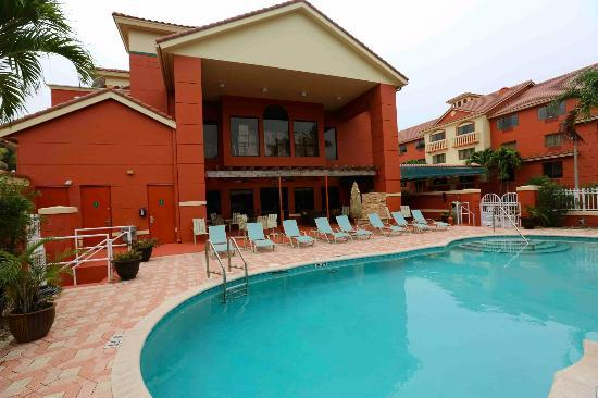 Best Western Plus Palm Beach Gardens Hotel & Suites & Conference Center : Pool