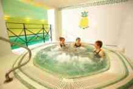 Middlethorpe Spa facilities include a jacuzzi, steam room and sauna
