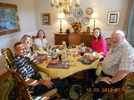 Bald Mountain House at the Wolf Laurel Resort: Gathered for breakfast