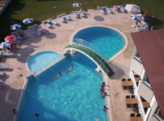 Green Gold Hotel: havuz