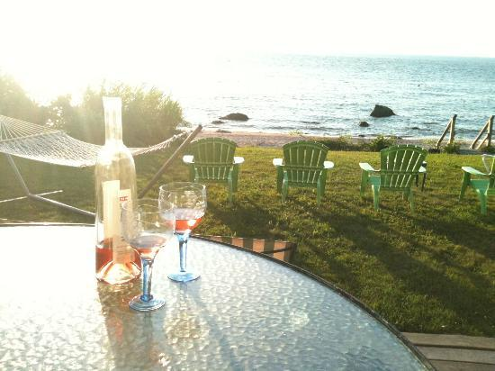 Shorecrest Bed & Breakfast: We love to sit on the porch, drink wine and watch the sunset.