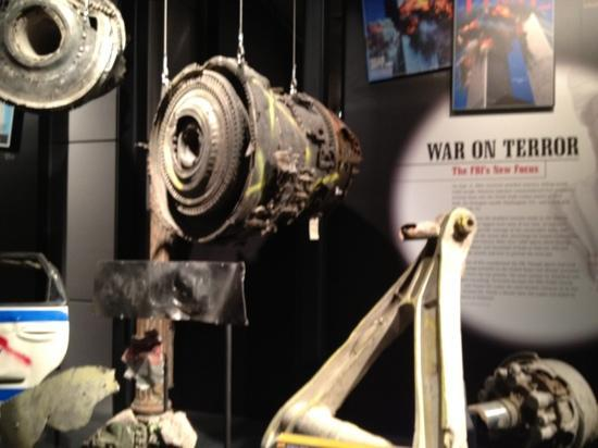 Newseum – Muzeum Newsów i Dziennikarstwa: Pieces of plane that hit the World Trade Center