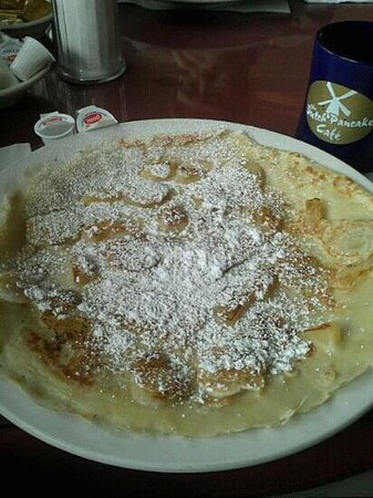 Dutch Pancake Cafe : Portion size of the Dutch style pancakes.