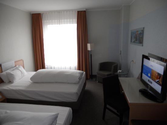 Mercure Hotel Hannover Oldenburger Allee: Room view 2
