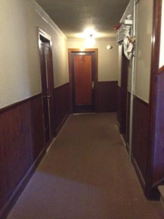 Deer Lodge: dark hallway