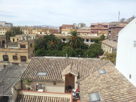 Abadia Hotel Granada: View from the room out to Granada skyline
