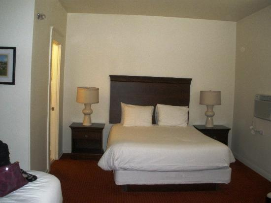 Hotel Atwater: King/Queen Room