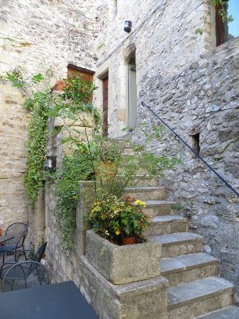 La Fête en Provence : Steps to our room