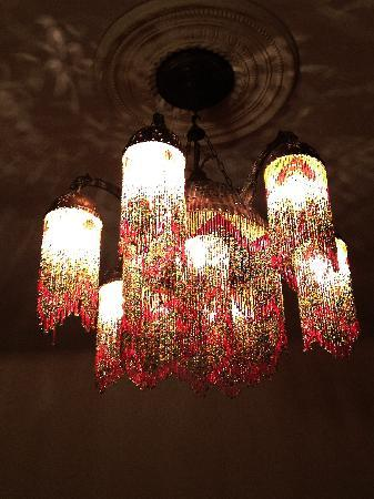 Wedgwood Manor: Gorgeous lights