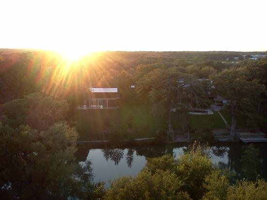 Gruene River Inn: Sunset from our balcony of our room
