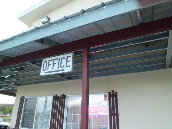 جراند ستايركايس إن: Office