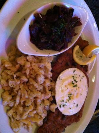 Kenwood Lane Grille: Wiener Schnitzel.