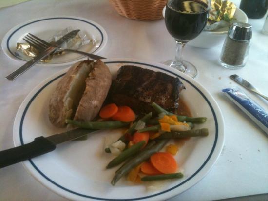 Coast Starlight: Steak Dinner in the Dining Car