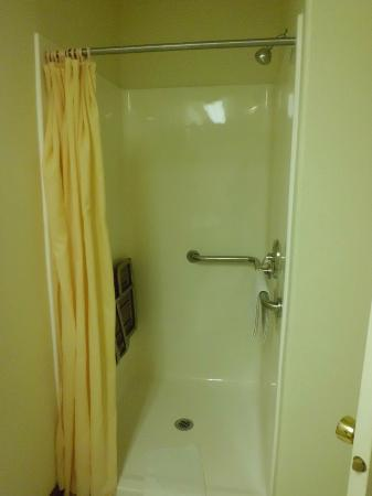 Grand Staircase Inn: Bathroom-3