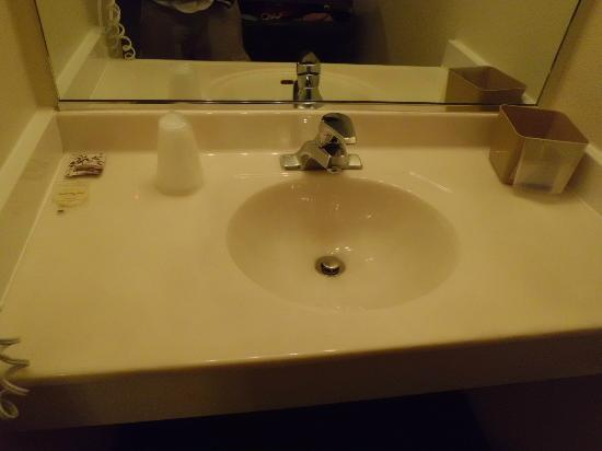 Grand Staircase Inn: Sink