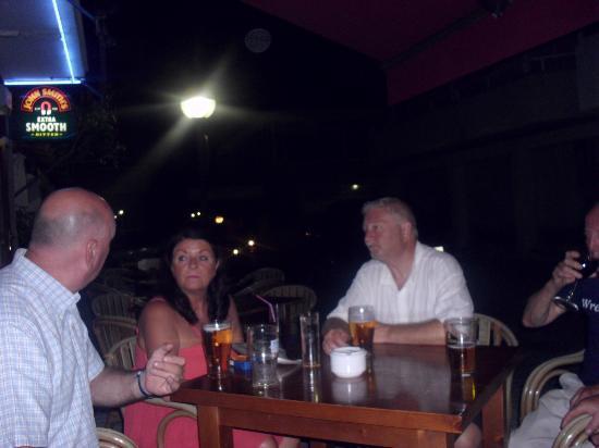 Bar Lago Restaurant : camebridge & scouse friends