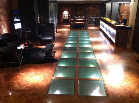 Hotel Granados 83: lobby