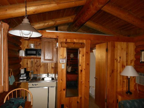 Cowboy Village Resort: Cabin