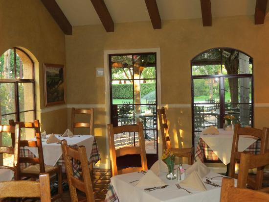 Vintners Inn: This was where we ate breakfast every morning. Very nice and quaint little room on hotel grounds