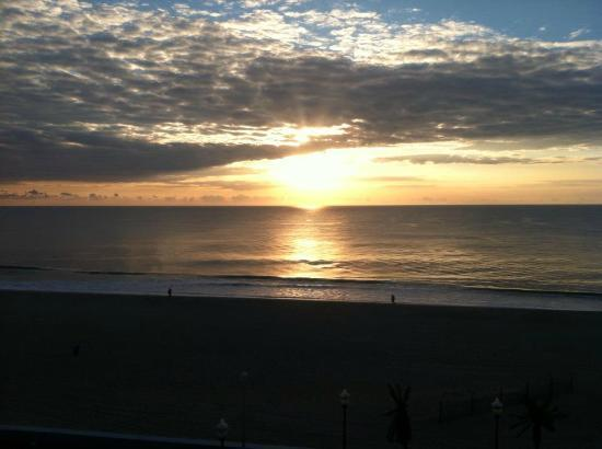 Holiday Inn Hotel & Suites Ocean City: Sunrise
