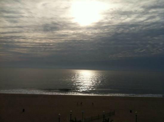 Holiday Inn Hotel & Suites Ocean City: 2nd day sunrise