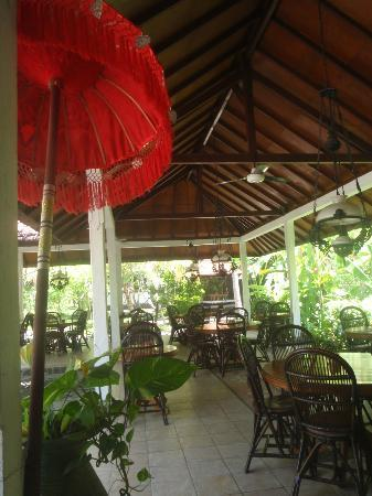Rini Hotel: dining area