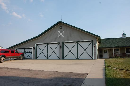 High Prairie Lodge: the garage