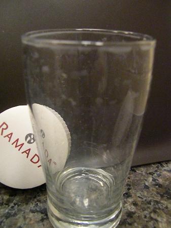 Ramada High River : gross glass in bathroom