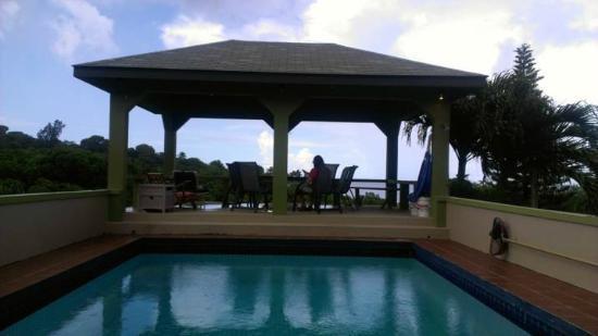 Miles Away Villa Resort & Spa : Pool at Miles Away