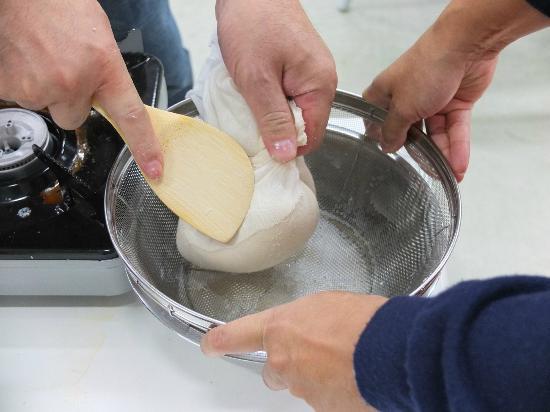 Meiwa Sunpia : 豆腐作り