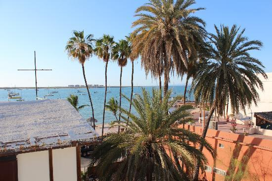 Hotel Mediterrane: view fron the rooftop patio