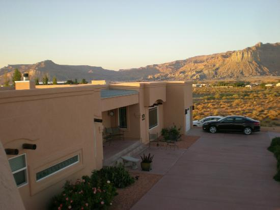Dreamkatchers Lake Powell Bed & Breakfast: Sunset on the rooftop hot tub