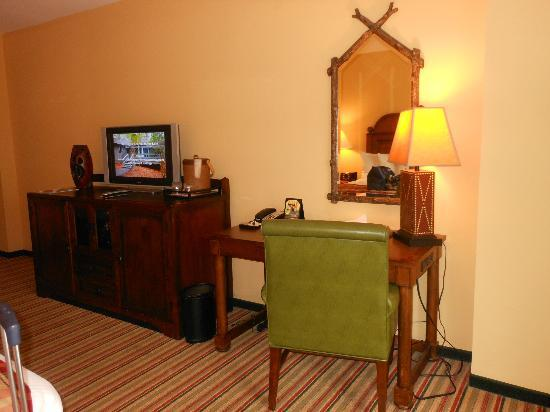 The Lodge and Spa at Callaway Gardens: Bedroom desk area