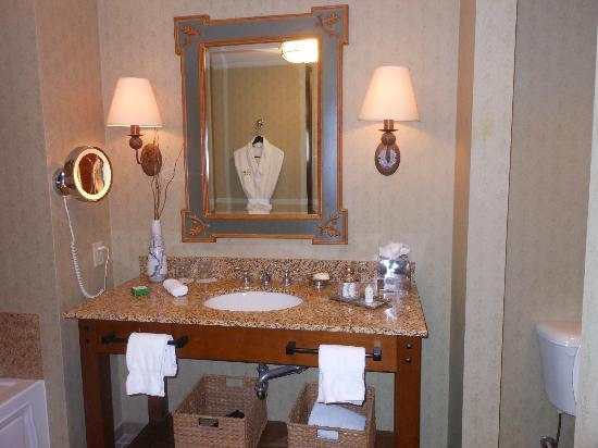 The Lodge and Spa at Callaway Gardens: Bathroom sink