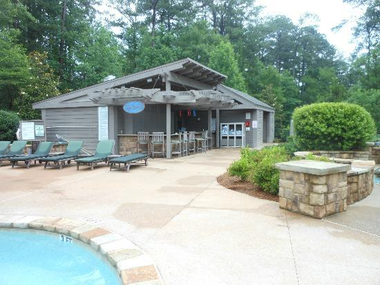 The Lodge and Spa at Callaway Gardens: Pool bar