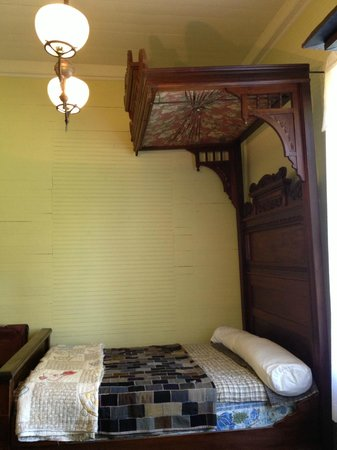 Cane River Creole National Historical Park : Guest Bed