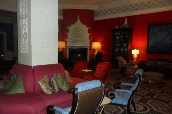 Kimpton Hotel Monaco Portland: Wine/Beer Reception Common Area