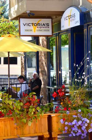 Victoria's Espresso Wine Bar : Victoria's in the summer