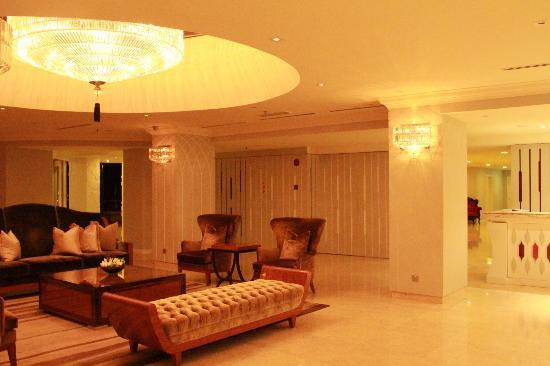 The Chateau Spa & Organic Wellness Resort: lobby
