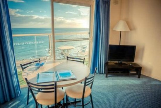 Baybeachfront: 4 star Standard 1 bedroom with private balcony