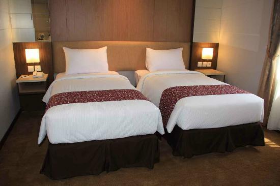 Tjokro Klaten Hotel: DELUXE ROOM