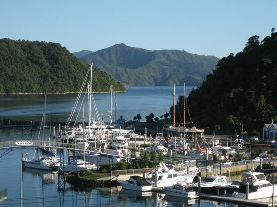Harbour View Motel Picton: Waking up in the morning with a beautiful view from balcony of studio