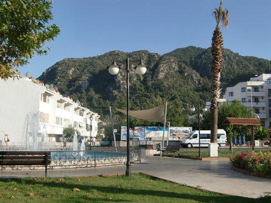 Hotel Bonjour: views