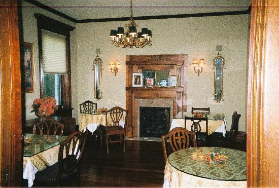 Fleur-de-Lys Mansion : Dining area