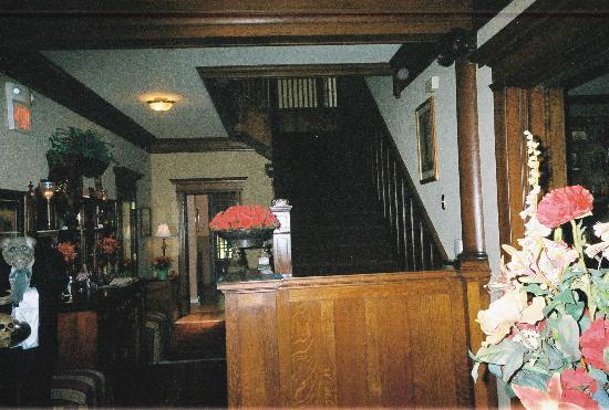 Fleur-de-Lys Mansion: Stairs to rooms