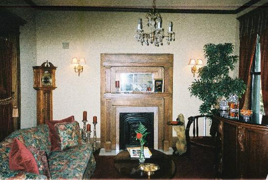 Fleur-De-Lys Mansion: Sitting room