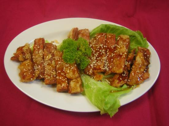 Zhu Yuan Vegetarian Restaurant : 甜酸素鸡 Sweet and sour vegetarian Chicken