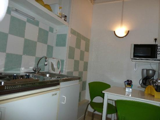 Hancy  Guesthouse: kitchen
