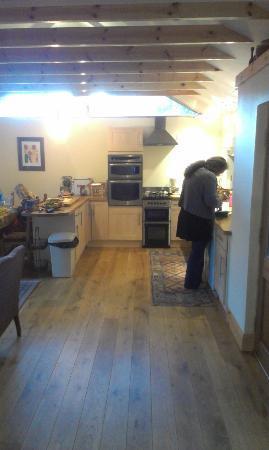 Kincraig, UK: Küchenbereich Suidhe Cottage